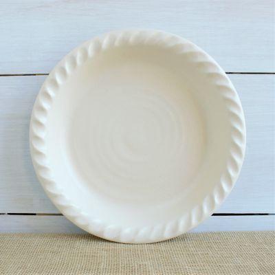 Farmhouse Ridges - Pie Plate in Drift White