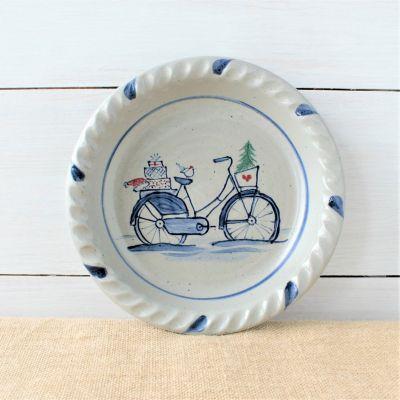 Classic Pie Plate- Holiday Bike