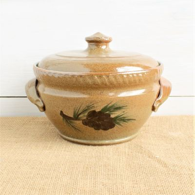 Northwoods 2 Quart Covered Casserole - Pine Cone Pattern